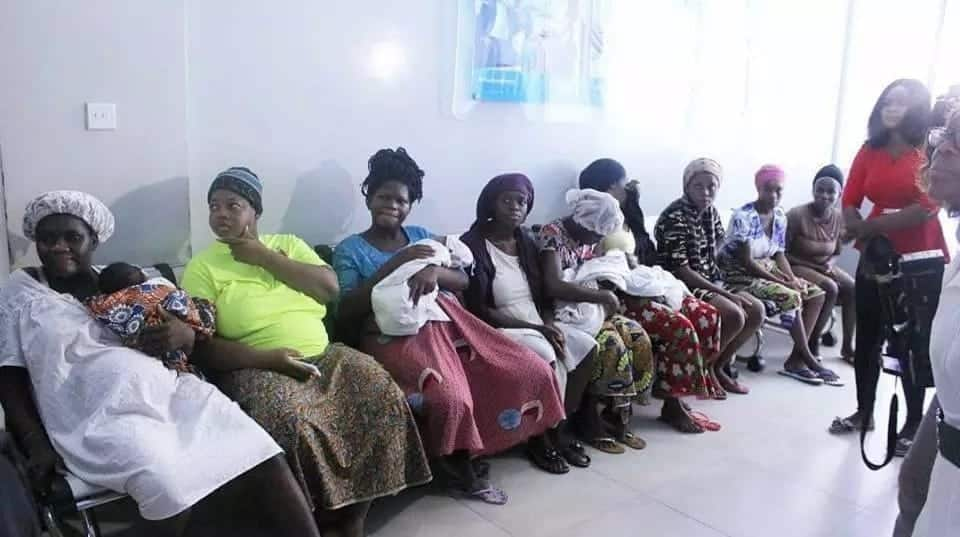 Popular Man of God, celebrities storm Korle-Bu Teaching hospital to pay bills of 'detained' new mothers
