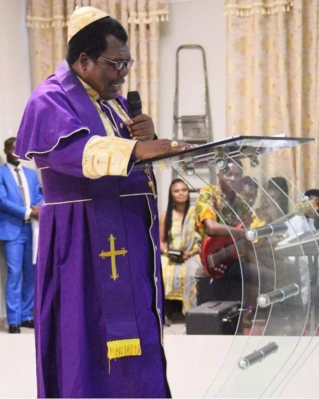 Papa Nii now an anglican priest?