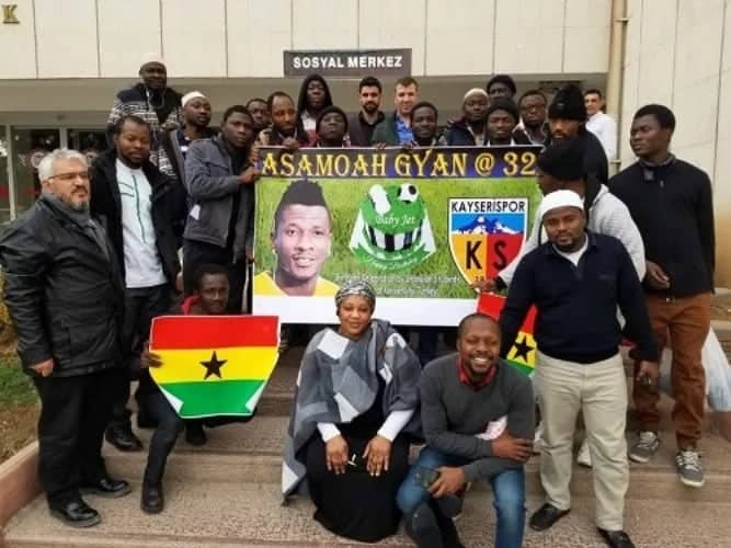 Asamoah Gyan joined by Ghanaian students in Turkey to celebrate 32nd birthday