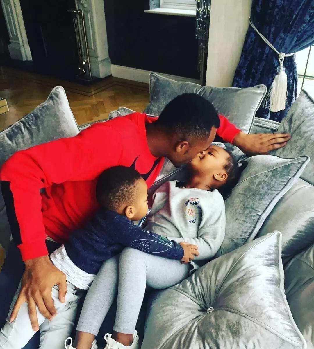 Jordan Ayew shows off his family