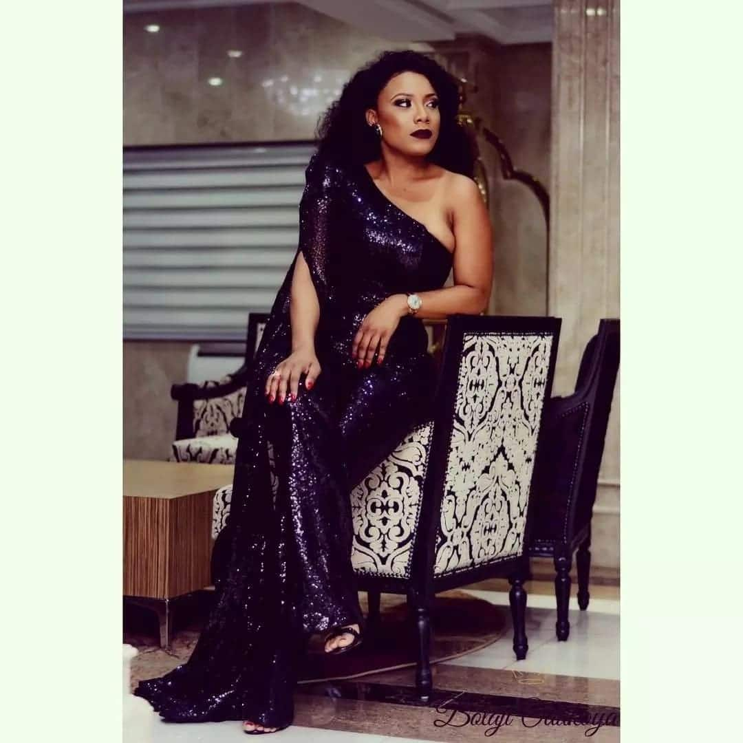 Zynnell Zuh shares a beautiful photo to usher in the Christmas season