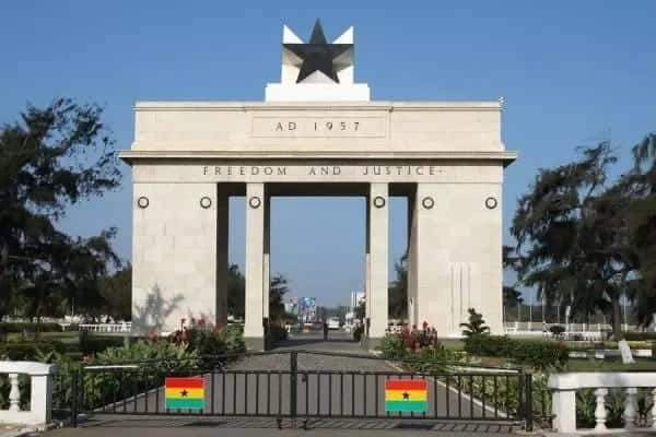 """reasons why Ghana can be labelled a """"sh*thole"""" by its critics"""