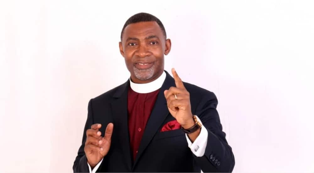 Dr Lawrence Tetteh spotted in video jamming to Shatta Wale's My Level with top pastor's wife