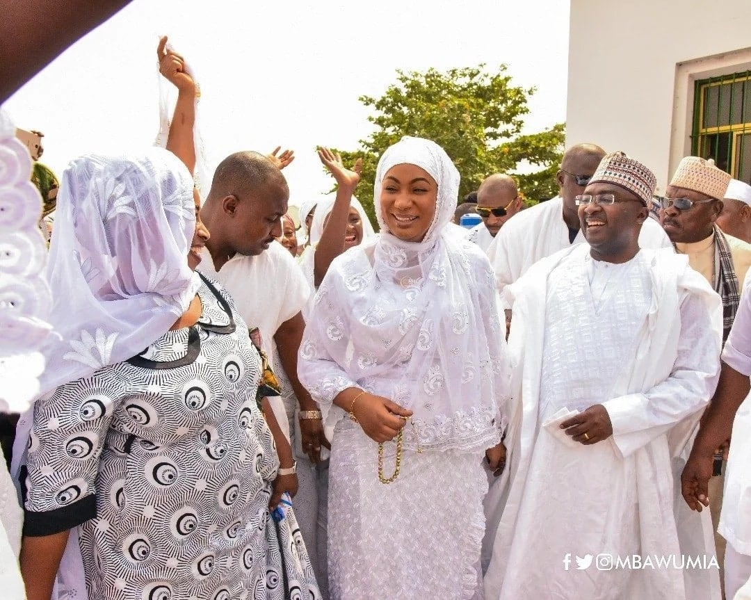 Bawumia thanks God for good health in colourful Friday prayers