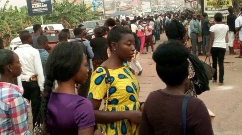 Applicants in queues