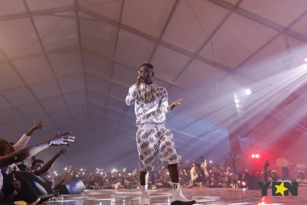 "Shatta Wale sheds tears on stage at ""The Reign"" album launch"