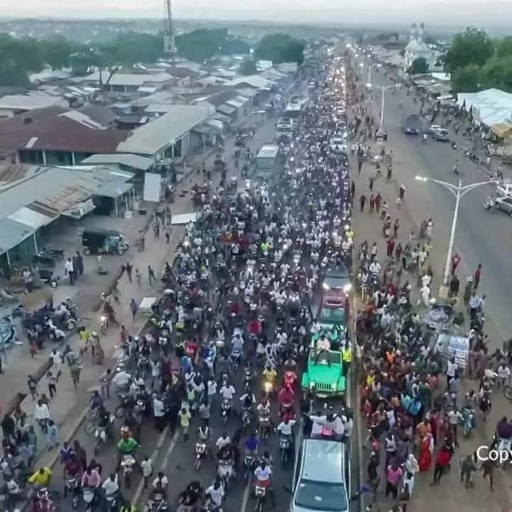 Thousands welcome Fancy Gadam to Tamale after #VGMA2018 win