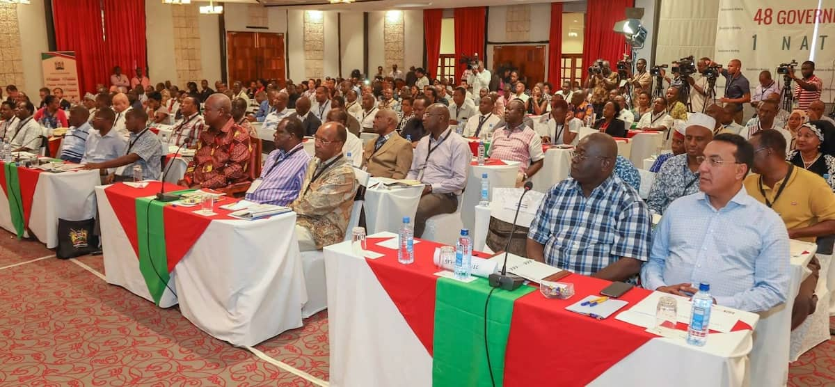 Mahama present at Uhuru Kenyatta's induction meeting for the 2017-2022 County Governors and Deputy Governors