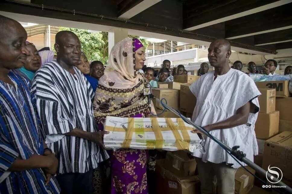Samira Bawumia contributes to Tamale General Hospital