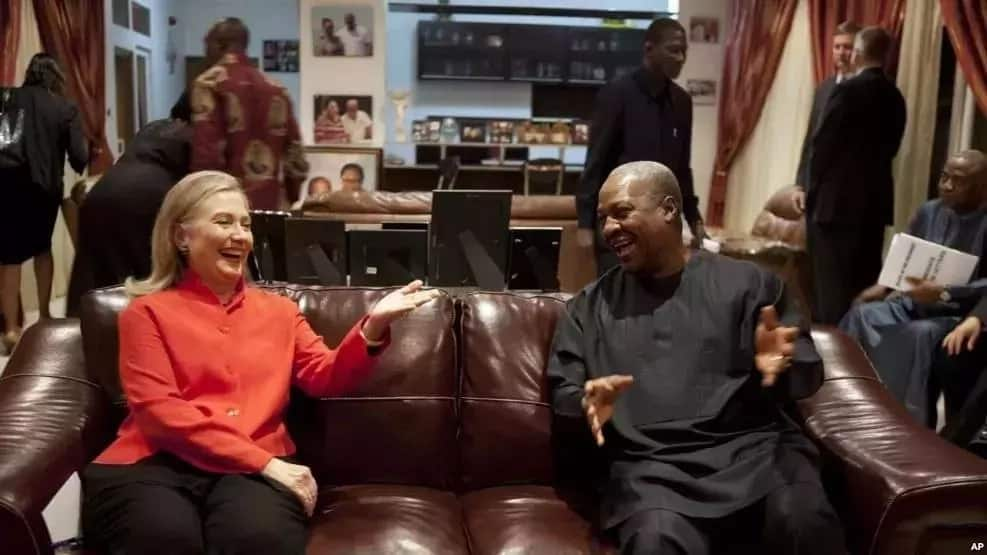 """7 super moments of John Mahama that showed how power is """"sweet"""""""