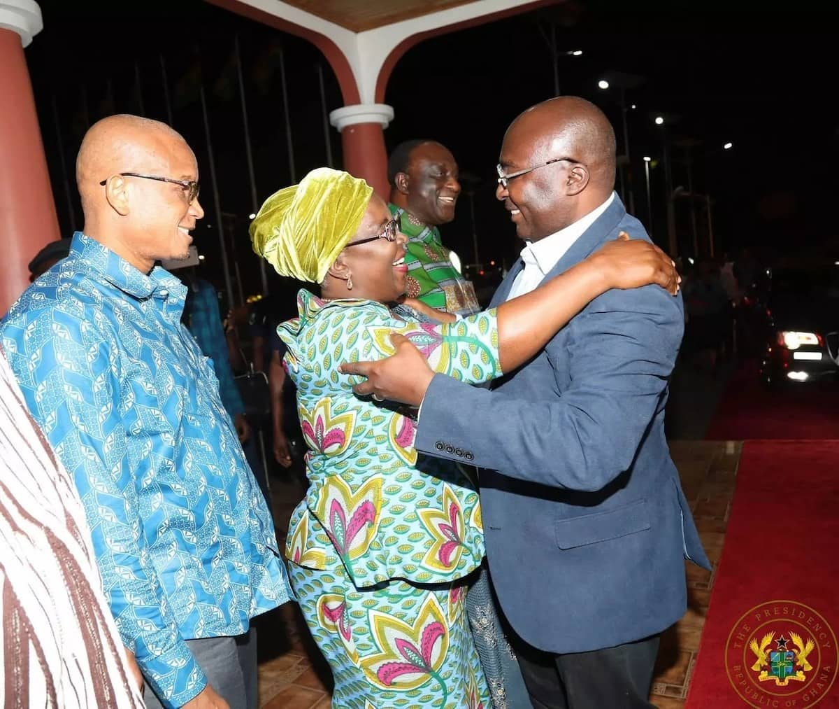 Dr Bawumia all smiles as he hugged Local Government Minister, Hajia Alima Mahama with Information Minister, Mustapha Hamid looking on