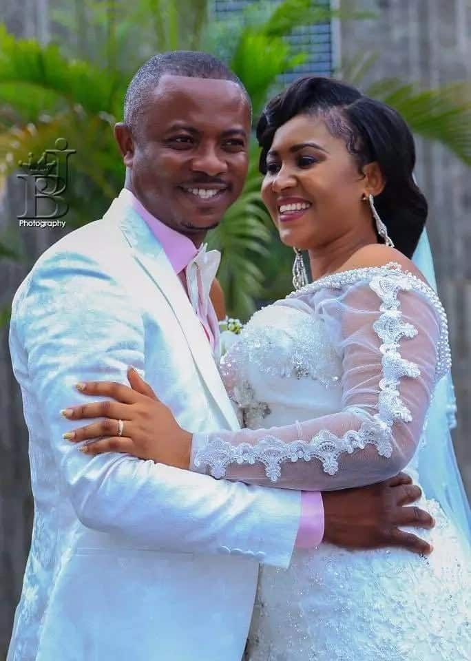 Adom FM's Kwamena Idan weds in star-studded glitzy ceremony (Photos)
