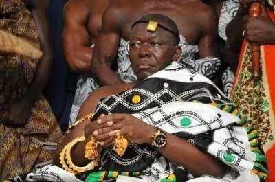 Otumfuor Osei Tutu II sitting in state