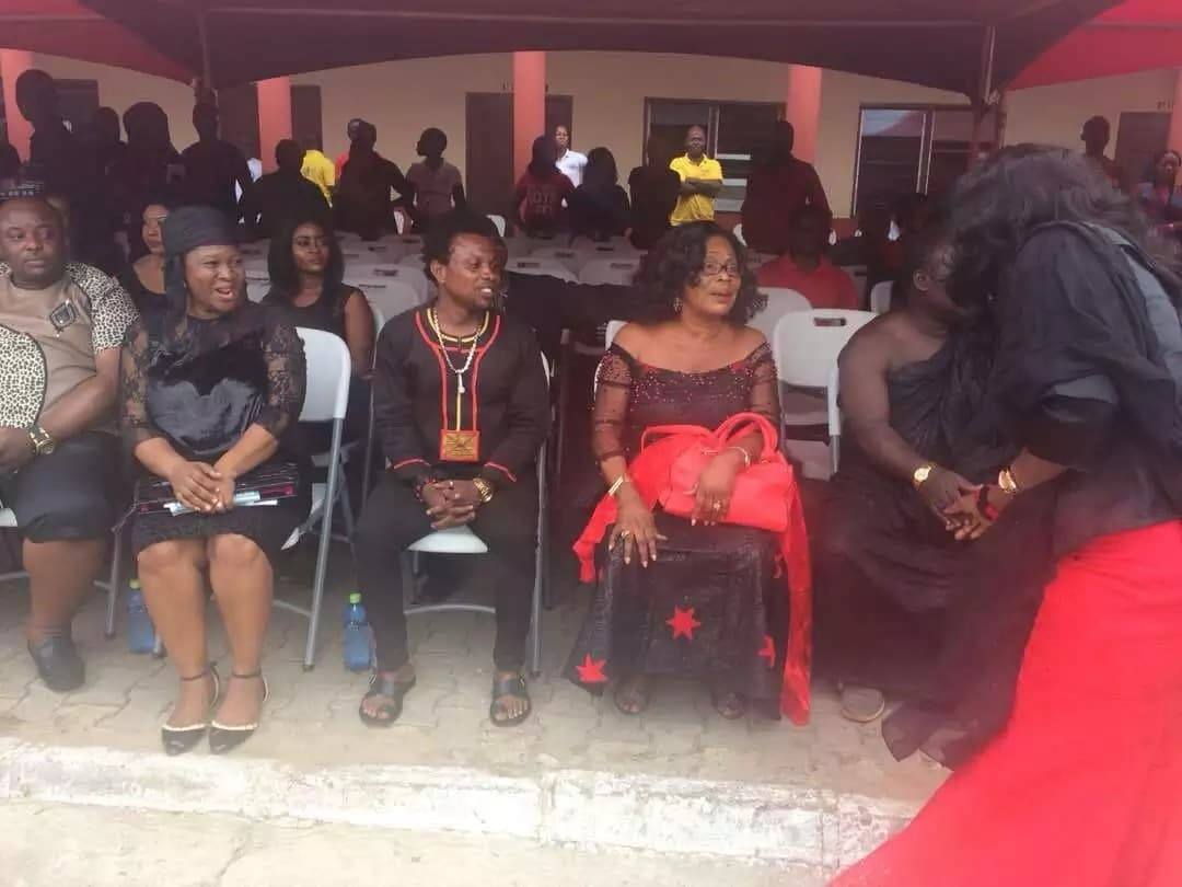 7 sad, live photos we gathered from Ebony's one-week memorial