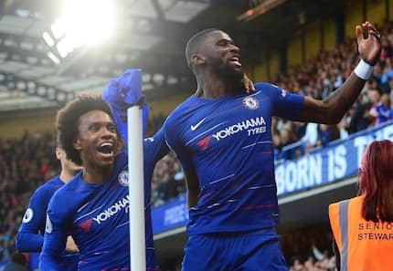 Chelsea score last-minute goal to draw 2-2 with Man United at Stamford Bridge