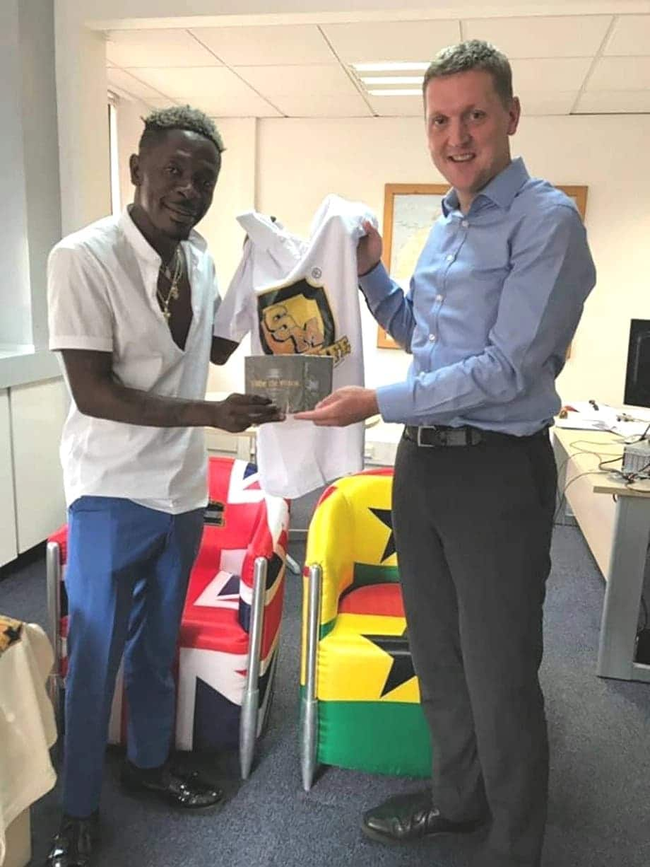 UK High C'ssner Iain Walker meets Shatta Wale; Says he wants to swap jobs with him