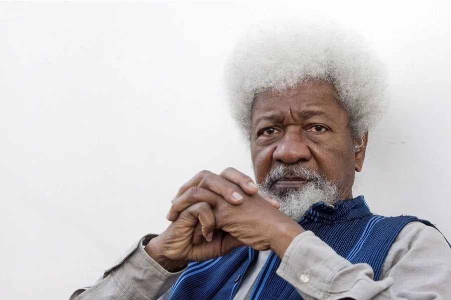 Wole Soyinka promised to tear up his green card if trump wins, now twitter wants him to do it