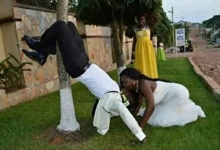 12 trending and hilarious wedding photos that should be banned asap