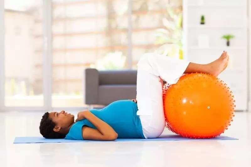 workouts for pregnant women pregnant workout safe exercises while pregnant workouts for pregnant women