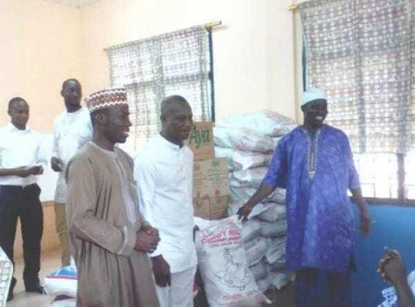 Kwesi Appiah donates to widows ahead of Uganda qualifier