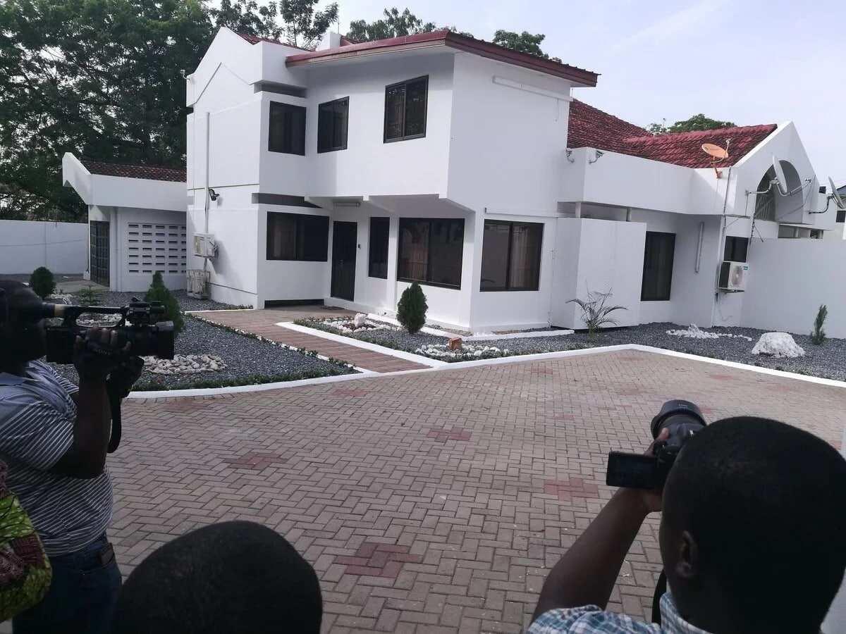 Black Stars Coach Kwesi Appiah receives 3-bedroom house