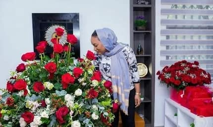 Vice President Bawumia pulls a Casanova - surprises wife with bouquets of roses and a serenade