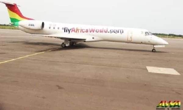 """Ghanaian pilot """"gases"""" robbers attempting to rob his plane before take-off"""