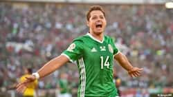 Video of old Mexican woman performing 'rituals' for players goes viral after El Tri beat Germany