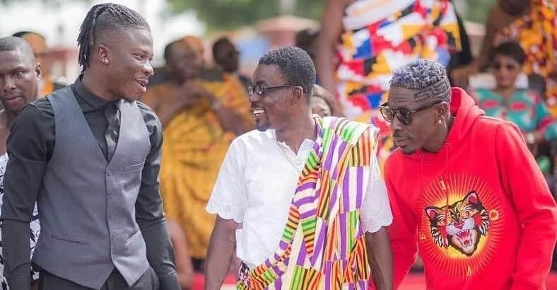 Shatta Wale mocked over 'Tiger Head battery' look at Asantehene's palace