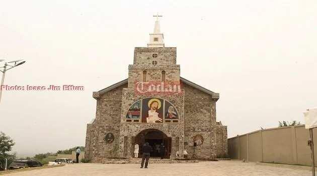 Paa Kwesi Nduom builds church for family