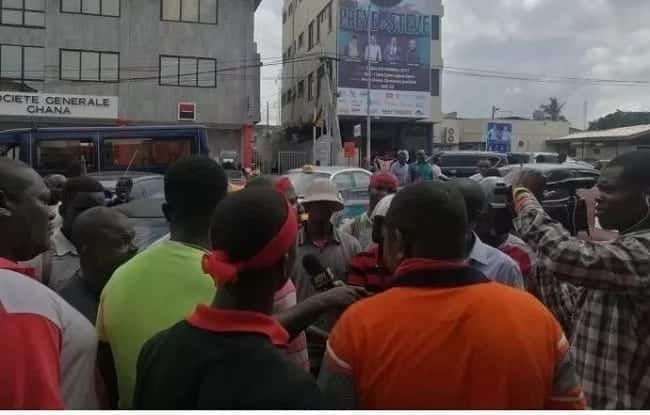 Angry taxi drivers hit hard at Akufo-Addo over fuel price increase (Video)
