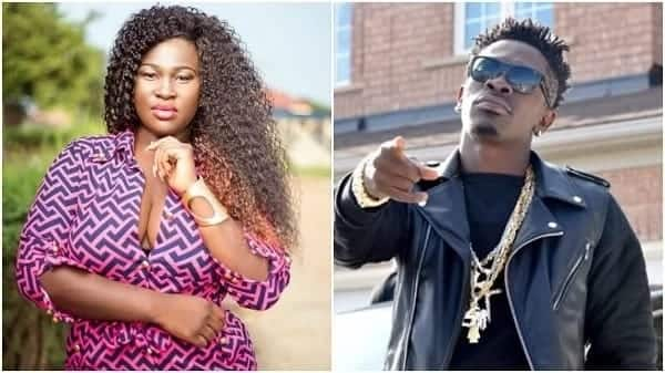 Sista Afia shares stunning photos of herself chilling in London