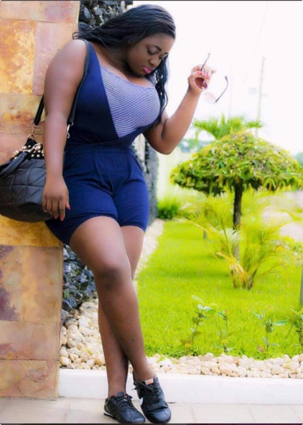 "Tracey Boakye shows support for ""No Bra"" day with video"