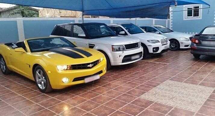Nana Wan cars and house