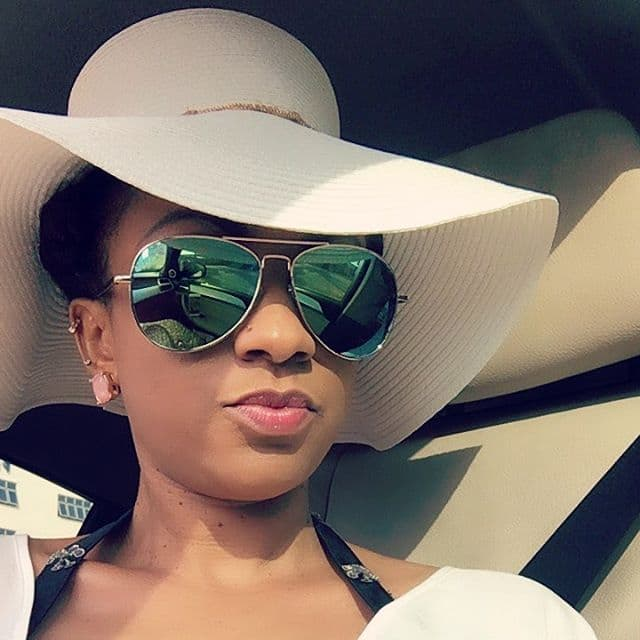 Another selfie here as Gifty Gyan rocks her sun glasses. Photo credit: YEN.com.gh