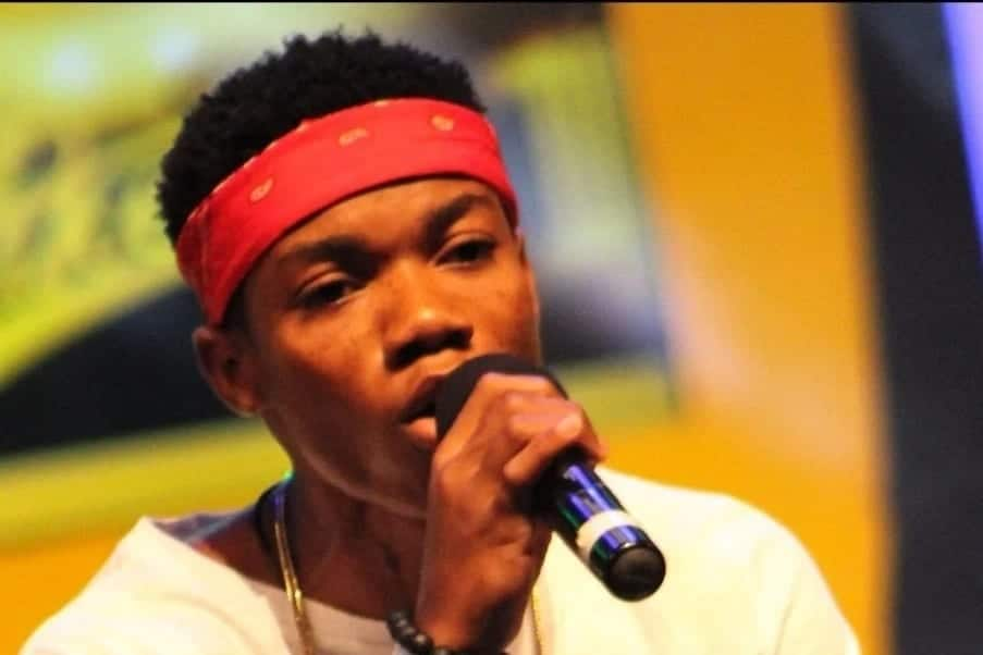Kidi doing his own thing with the mic