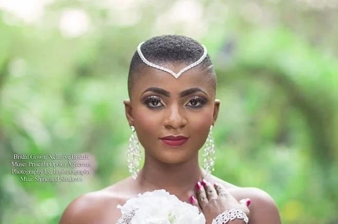 Ahuofe Patri releases wild bedroom photo and it's serious
