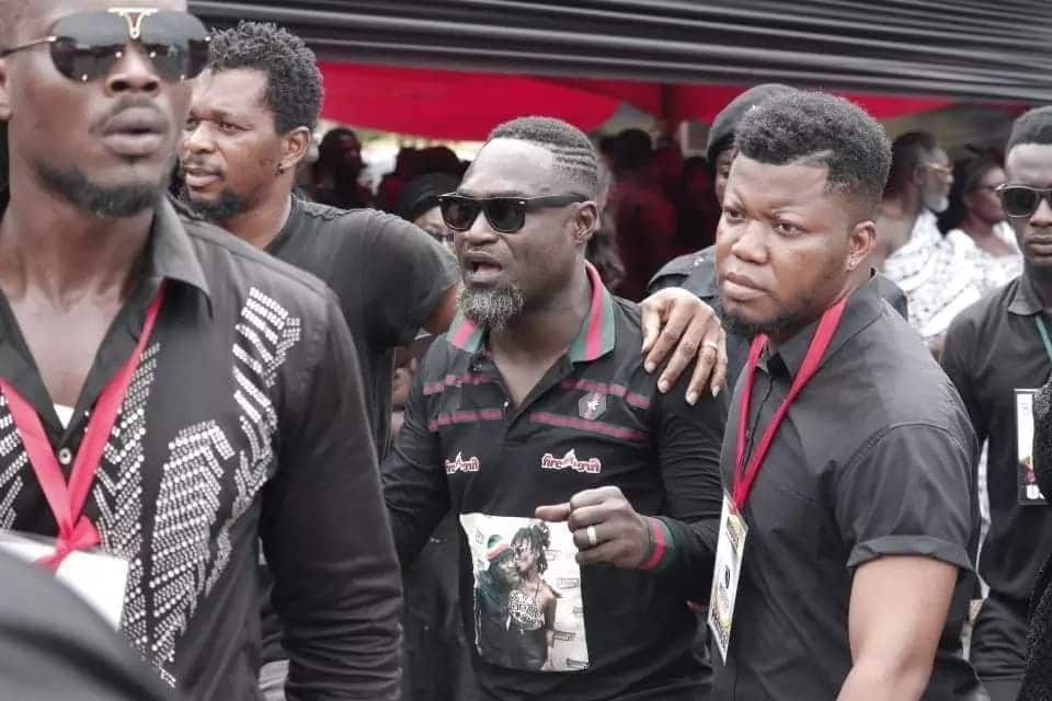 Countryman Songo arrives at State House to bid farewell to his 'Queen', Ebony Reigns