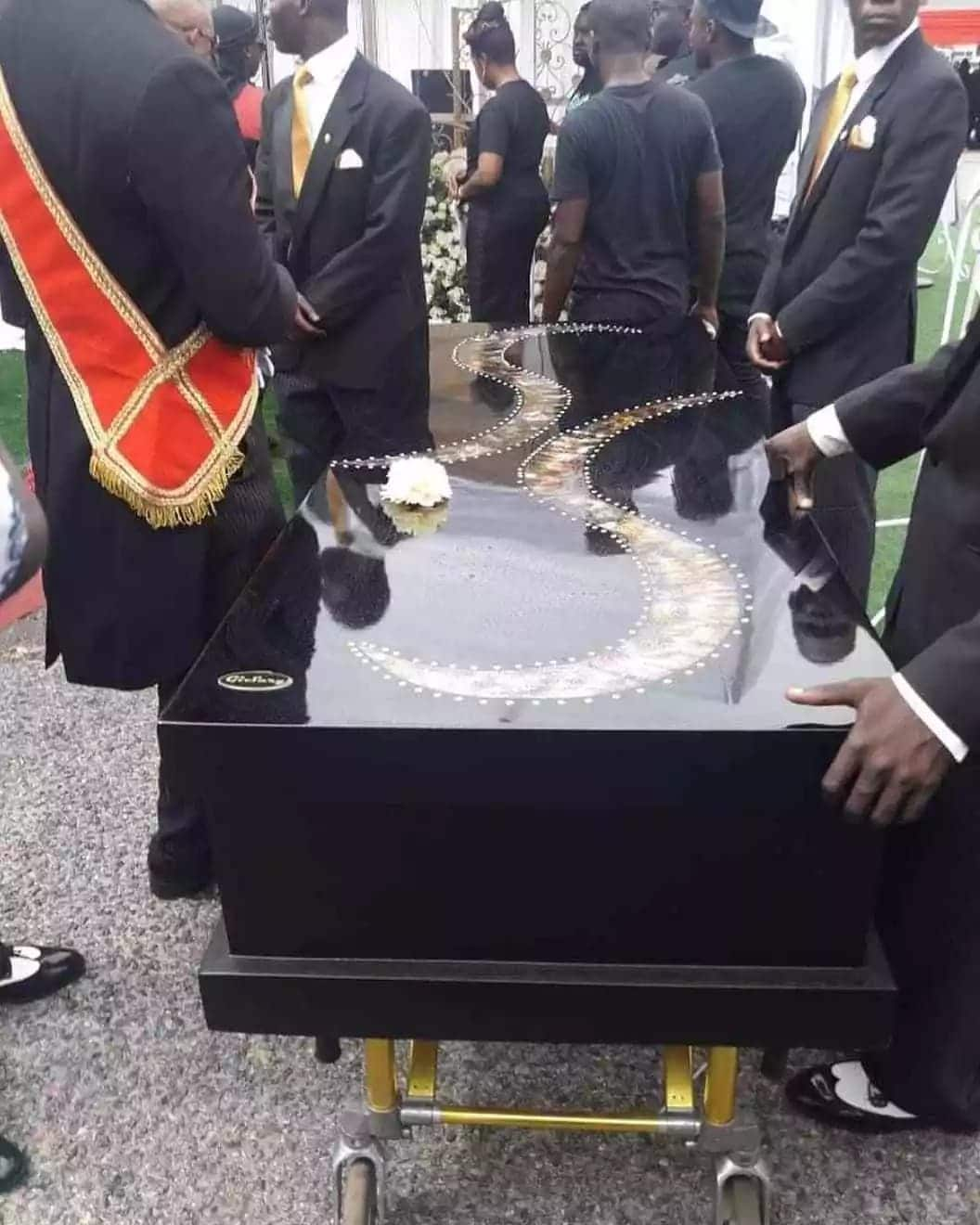 Photo of the casket carrying Ebony's mortal remains