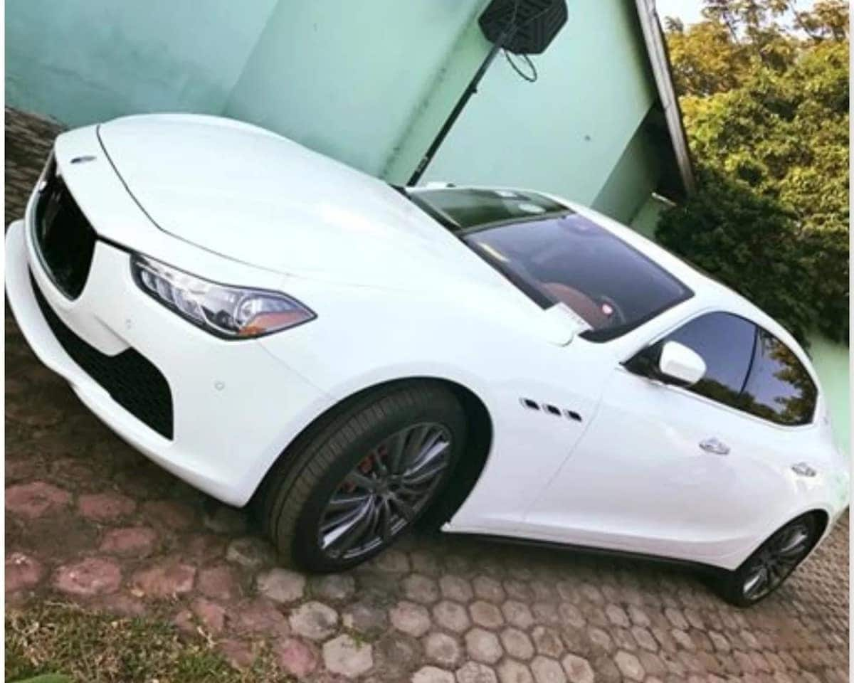 Shatta Wale shows off the latest addition to his fleet of cars