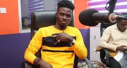 Kuami Eugene kills 'Patapaa pressure' with latest video of him buying yoghurt for many children on the street