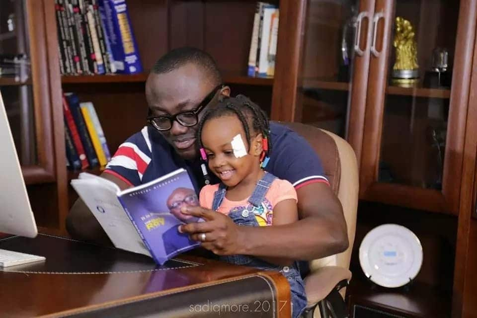 Bola Ray and daughter are so cute (Photo)