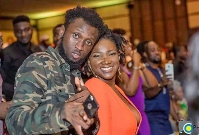 Ebony and O Gee all excited at an event