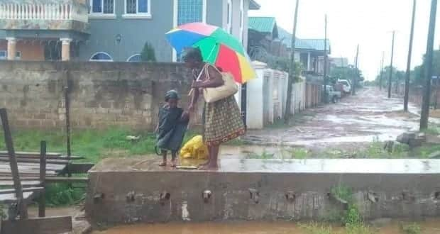 How one woman braved the heavy storm to send her kids to school