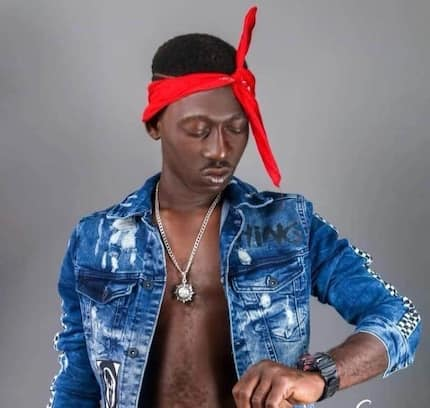 Supa in Kumawood - Ghana 2Pac shows video while on film set with Lil Win