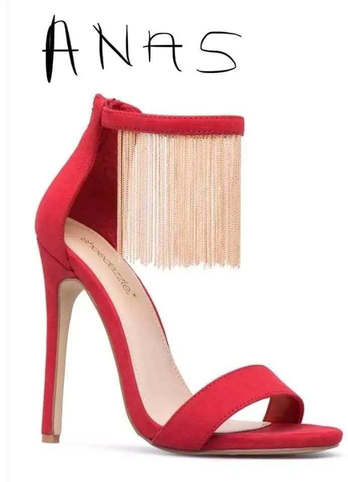 Photo of Anas high heels hits social media