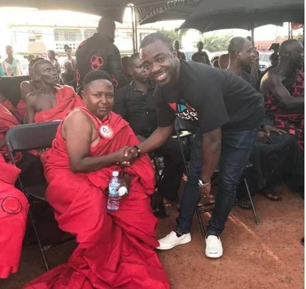 Funeral for mother of Actor, Wayoosi