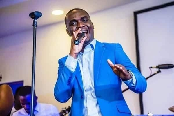 Joe Mettle performing at an event