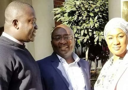 YEN.com.gh has photos of Bawumia and his wife as they left London for Accra