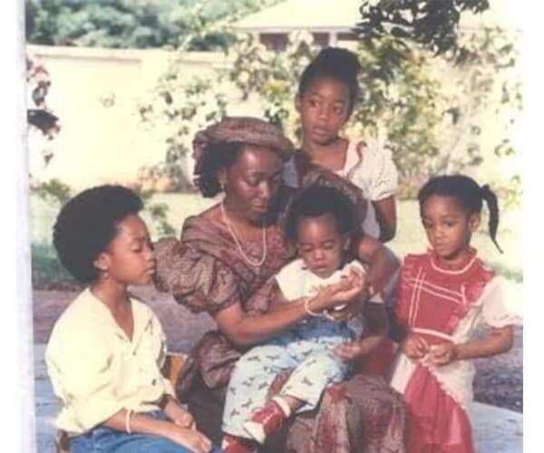 PHOTO: Agyemang Konadu slays in adorable throwback photo of the Rawlings family